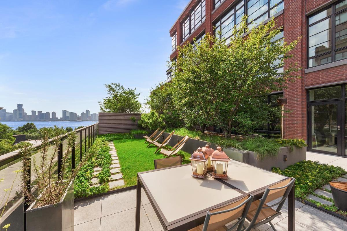 Jon bon jovi tries to sell west village duplex as part of a 30m combo unit 6sqft - Plantas terraza mucho sol ...