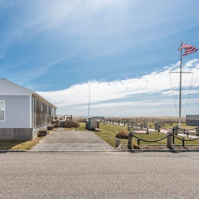 Billionaires are clamoring to move into this Montauk trailer park