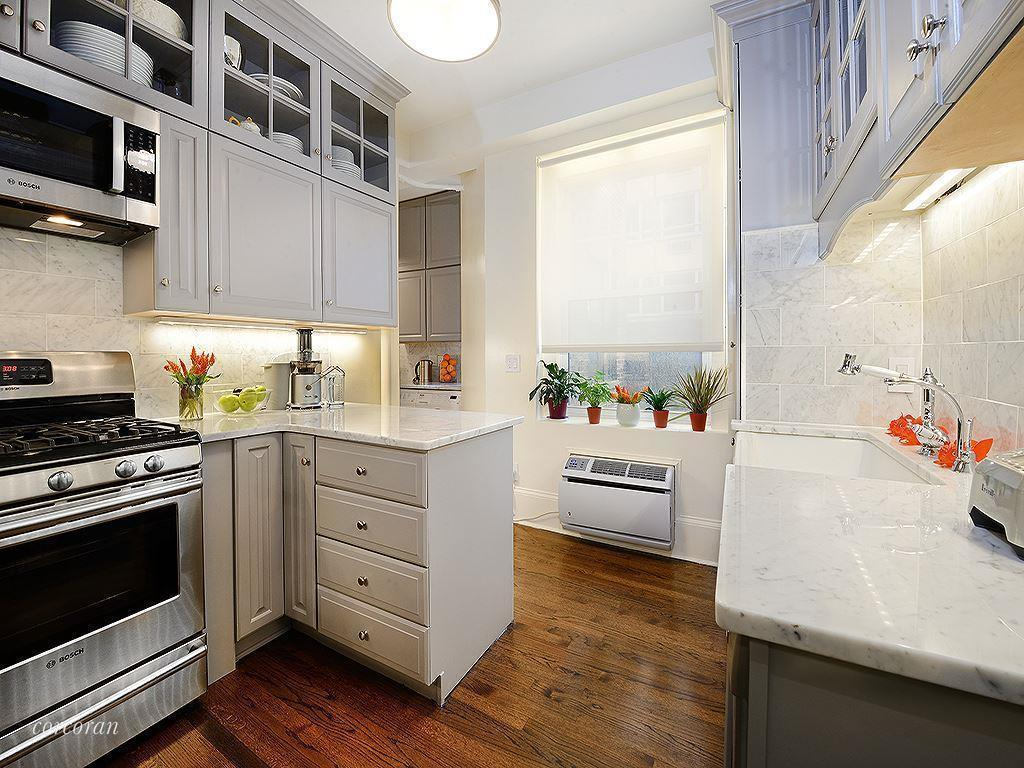 139 East 66th Street, Chris Noth, UES apartments