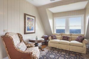 16 Sedgemere Road, center moriches, long island mansions
