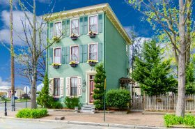 101 East Union Street, Italianate home, Burlington NJ
