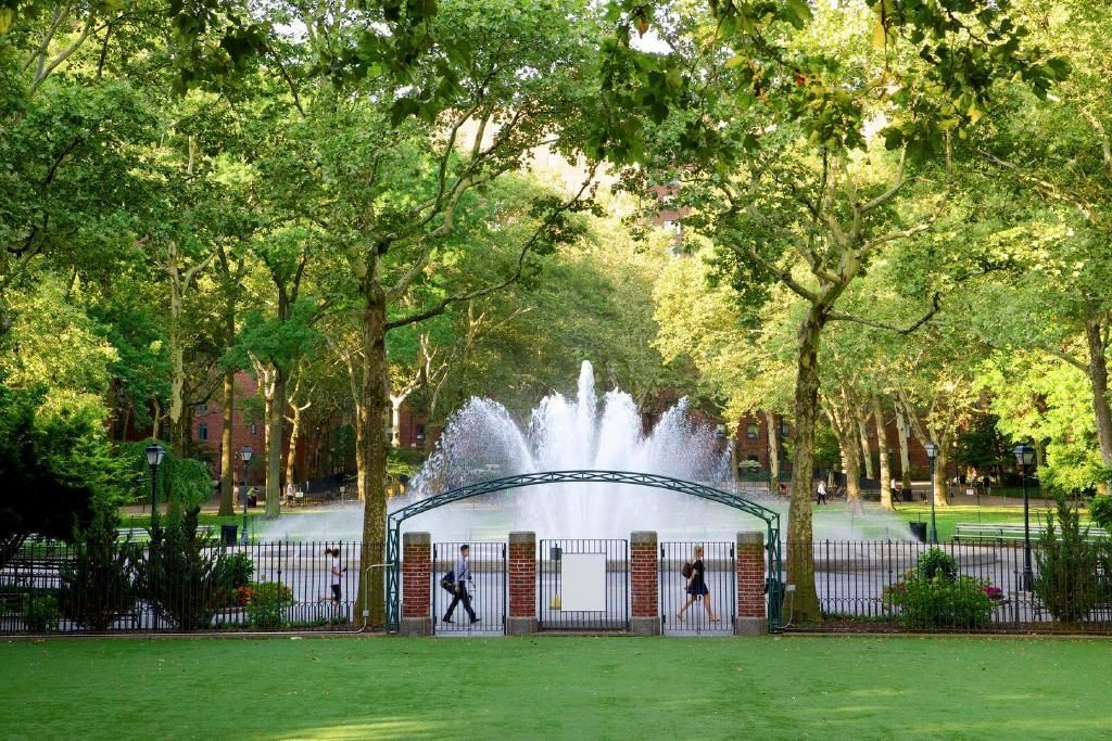 Stuyvesant Town, stuy town oval