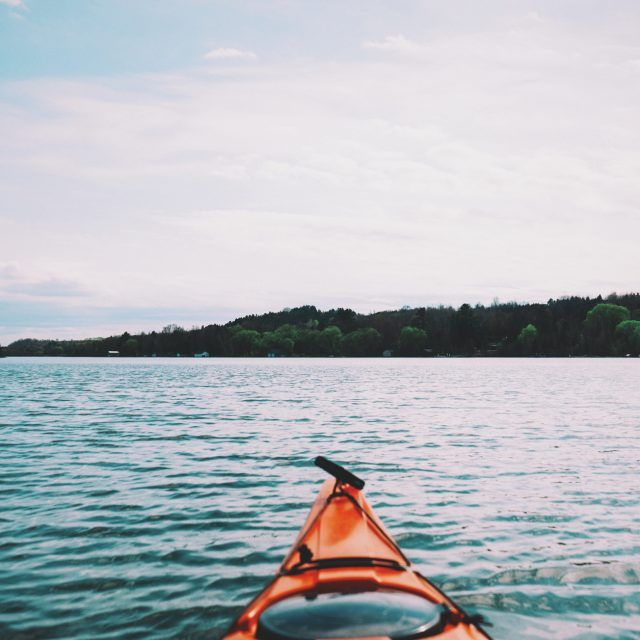 How to kayak or canoe across a NYC water reservoir (GUIDE)