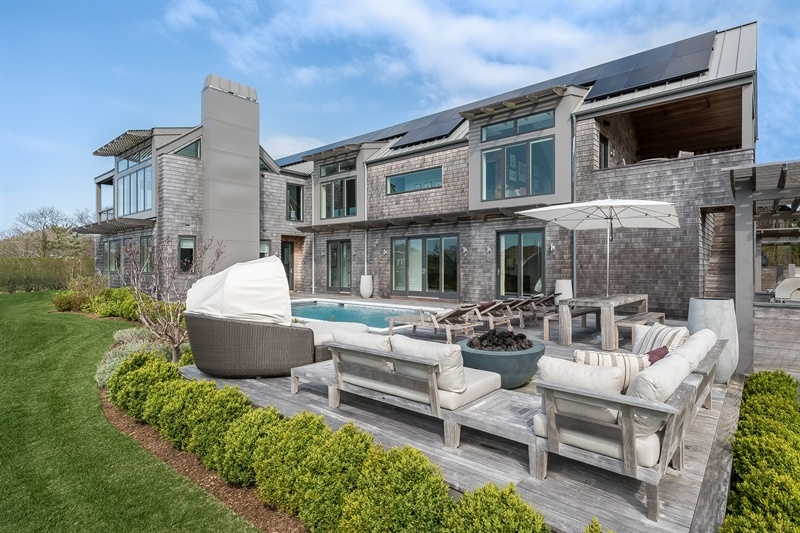 Berg Design's 'upside down' Montauk beach house is now for sale asking $6.5M