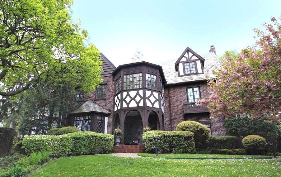 For $3M, a sprawling 1930s Tudor on Staten Island with pool and greenhouse