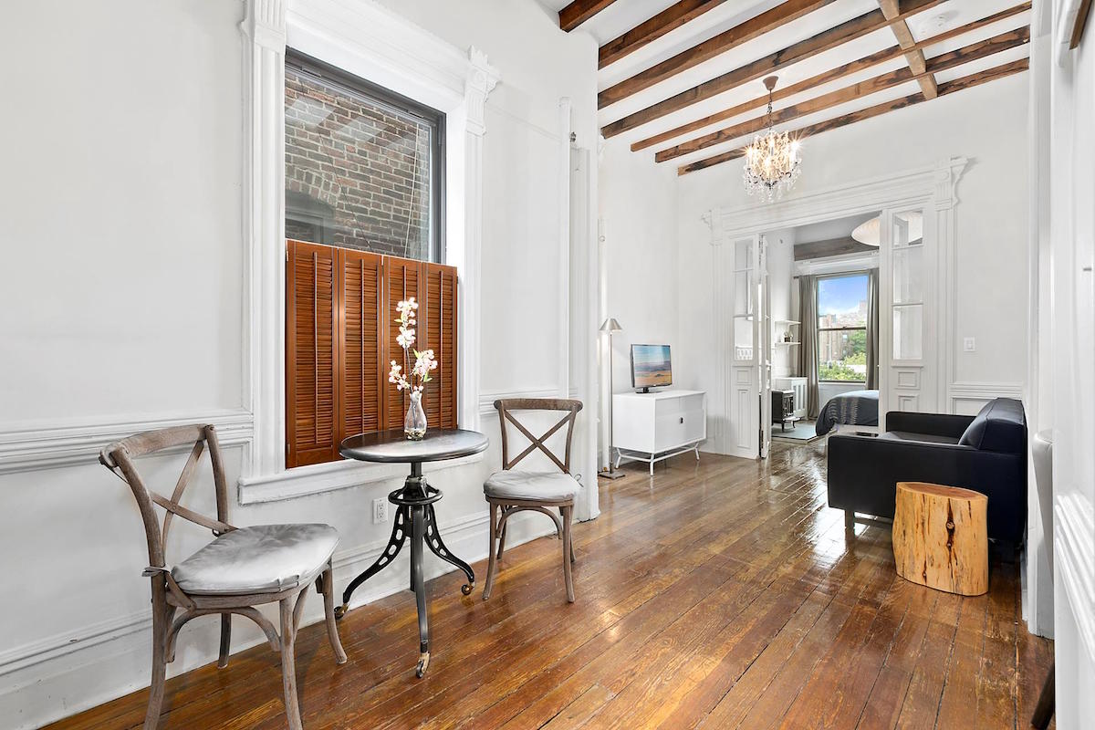 Posted On Thu, August 31, 2017 By Michelle Cohen In Cool Listings,  Interiors, West Village
