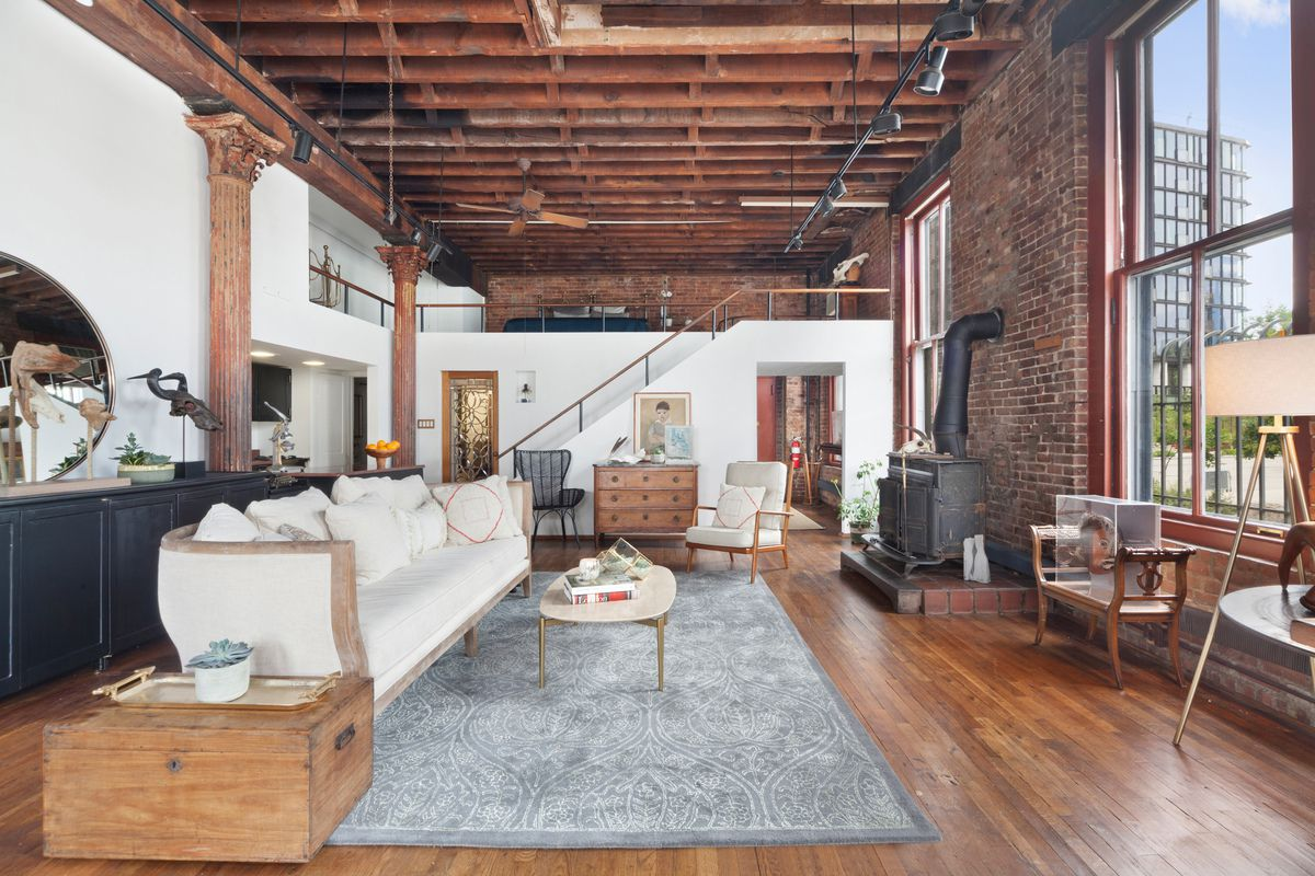 Superior Posted On Fri, September 22, 2017 By Emily Nonko In Cool Listings, DUMBO,  Historic Homes, Interiors