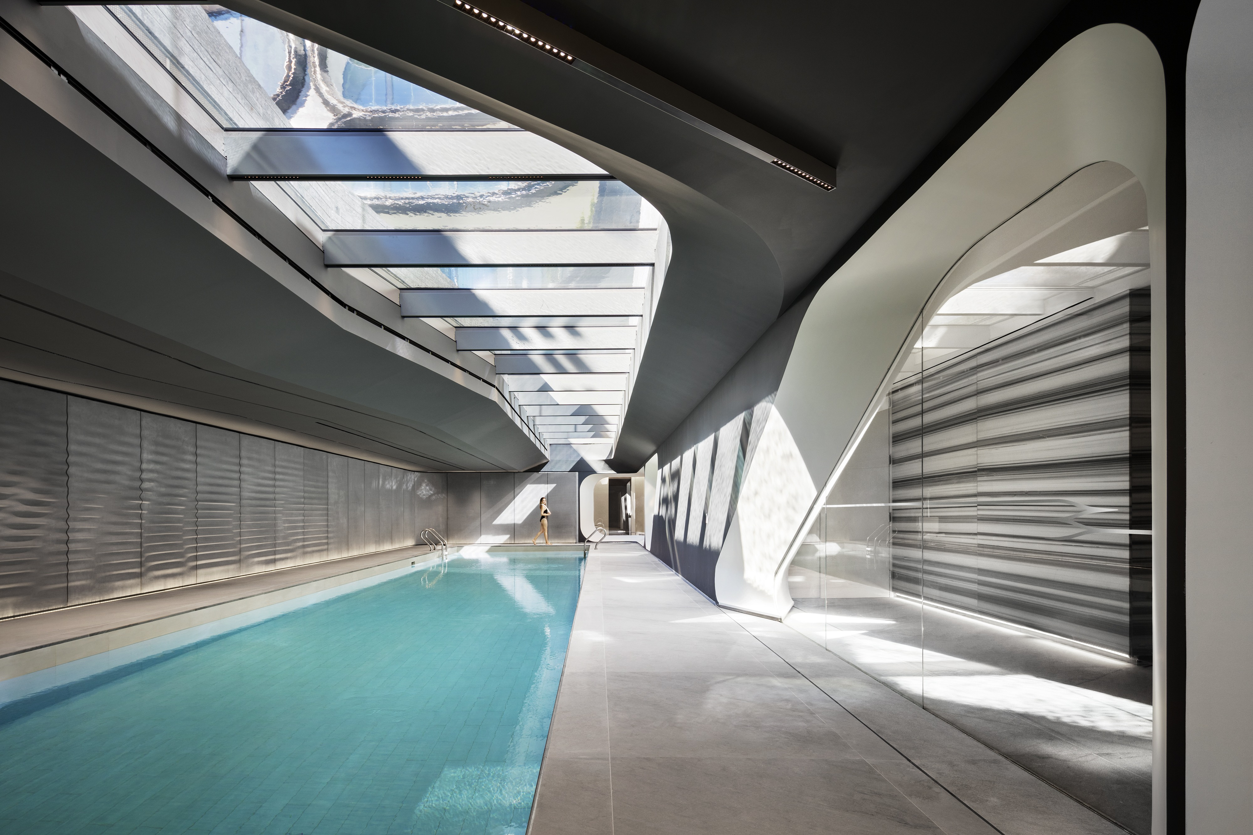 Zaha hadid 39 s 520 west 28th street reveals full suite of for Space architecture