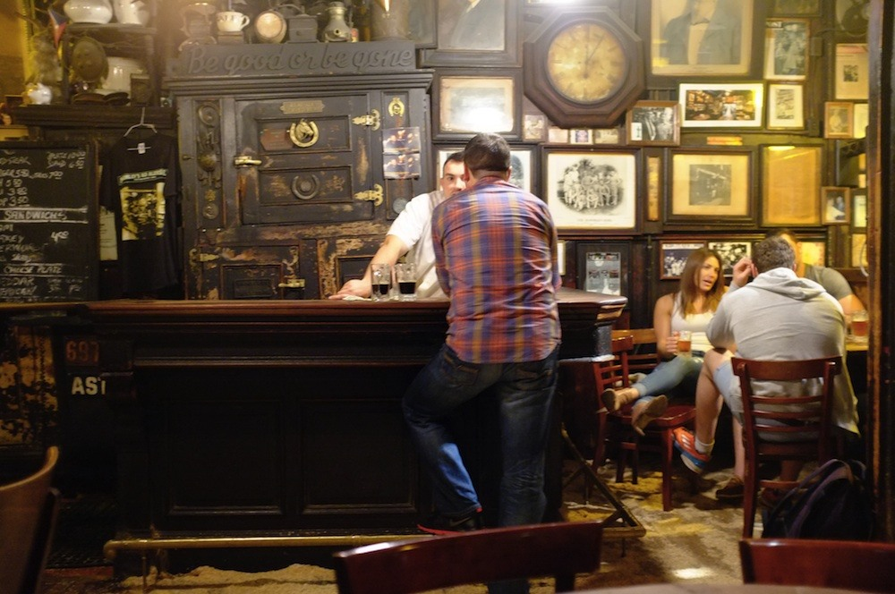 mcsorleys ale house, interior, historic bars nyc