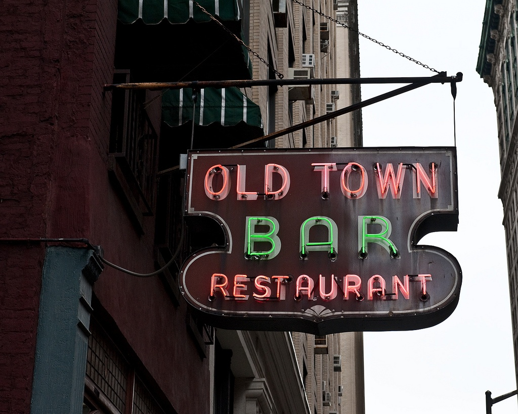 old town bar, historic bar nyc