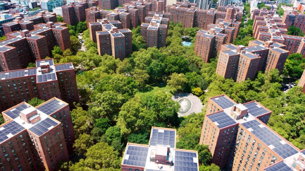 Blackstone halts improvement work on Stuy Town apartments following