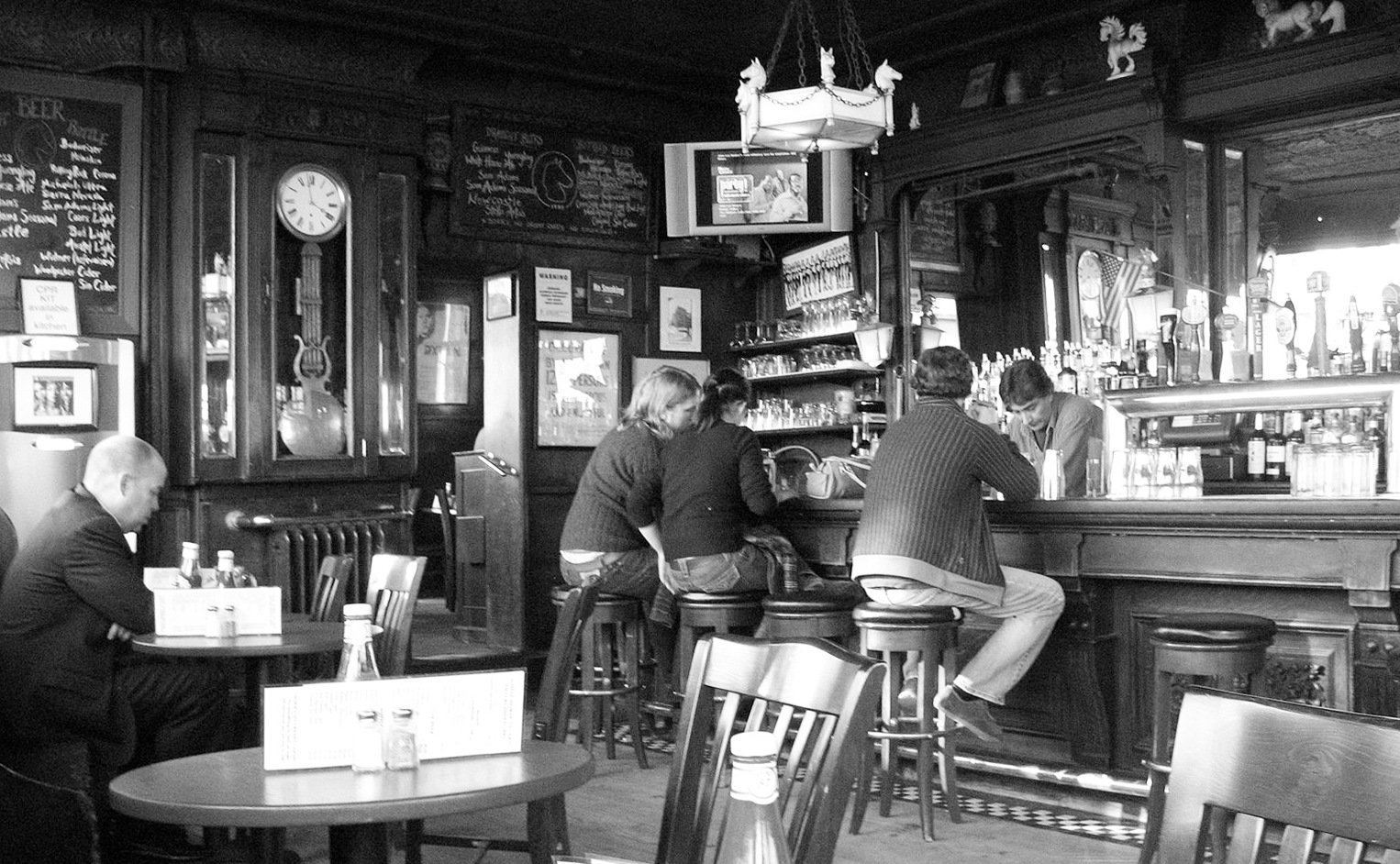 Cracking open the stories of NYC's most historic bars   6sqft