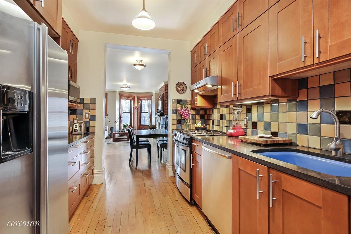 719 carroll street, park slope, co-op, railroad apartment, corcoran