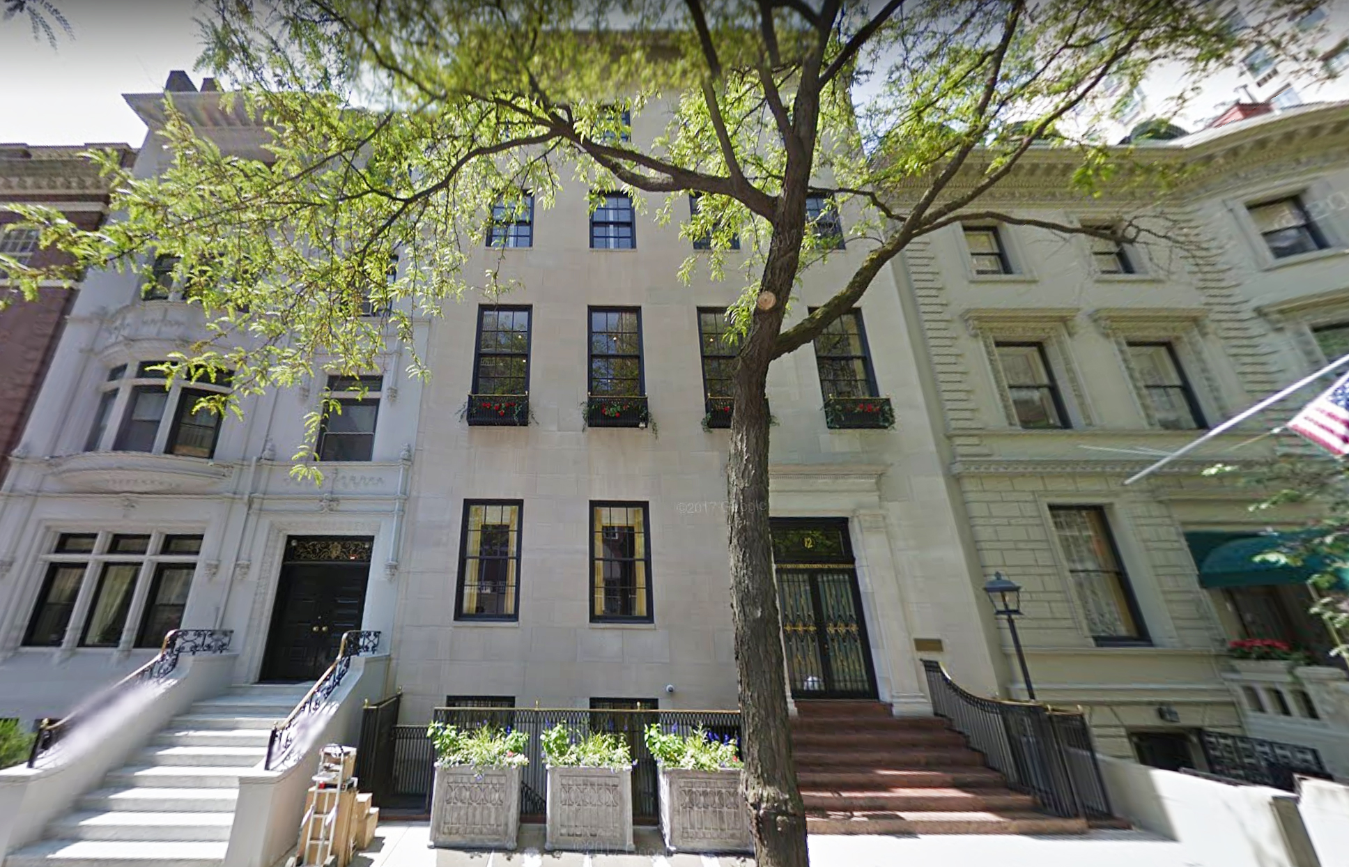 Palatial upper east side pad could set a record for the for Townhouses for sale in manhattan ny