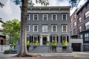 13 pineapple street, truman capote, brooklyn heights, celebrities, cool listings, literary brooklyn, literary nyc, historic homes