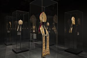 Diller Scofidio + Renfo, Heavenly Bodies exhibit, Met Costume Institute, Metropolitan Museum of Art