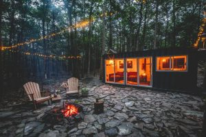 catskills, shipping containers, airbnb