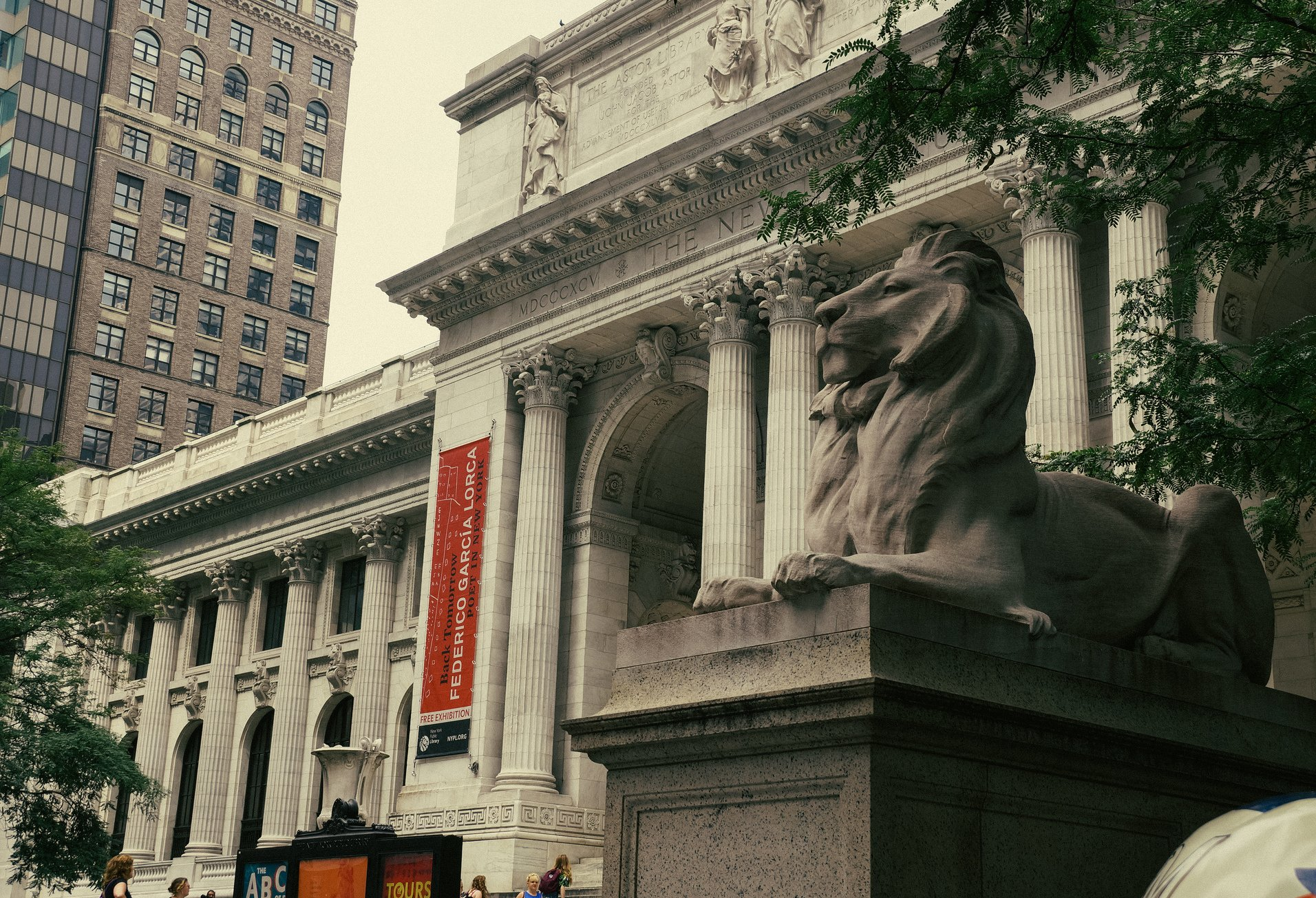 Reading between the lions: A history of the New York Public