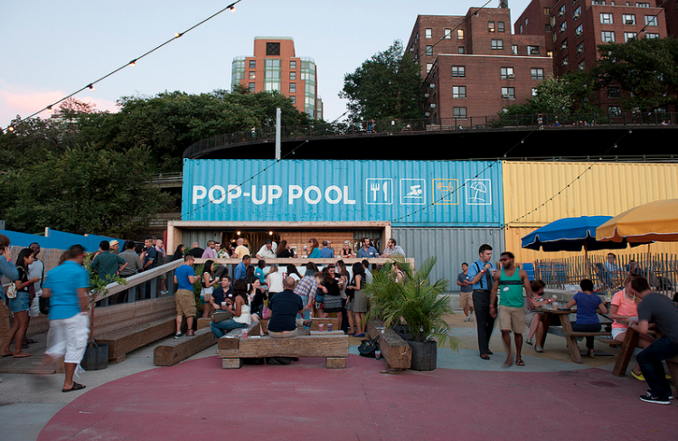 Pop Up pool Brooklyn Bridge Park