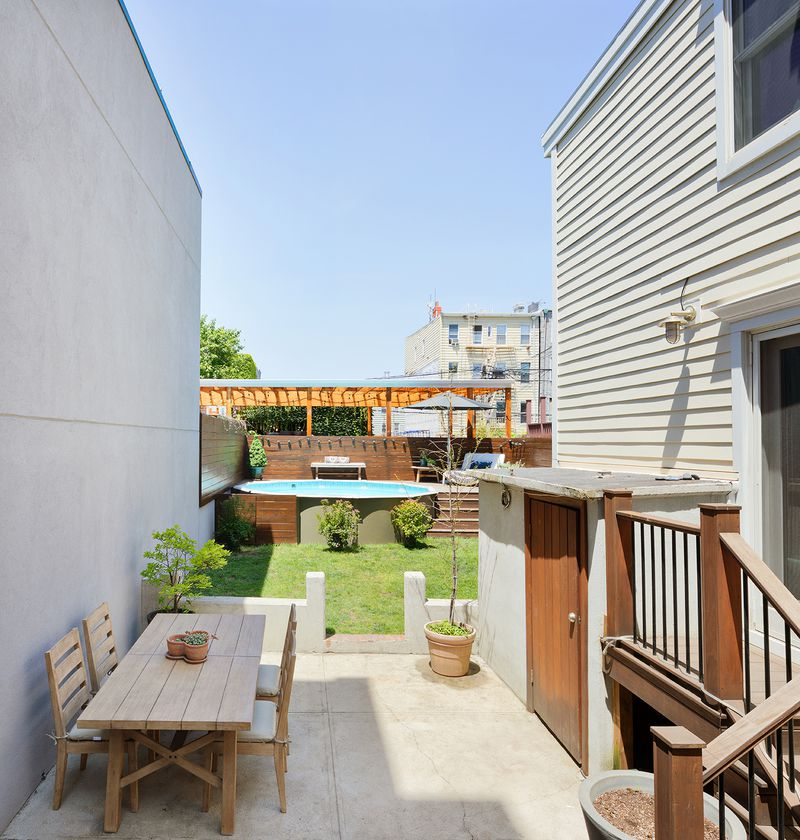 Adorable Williamsburg Rowhouse With A Swimming Pool And Three Decks ...