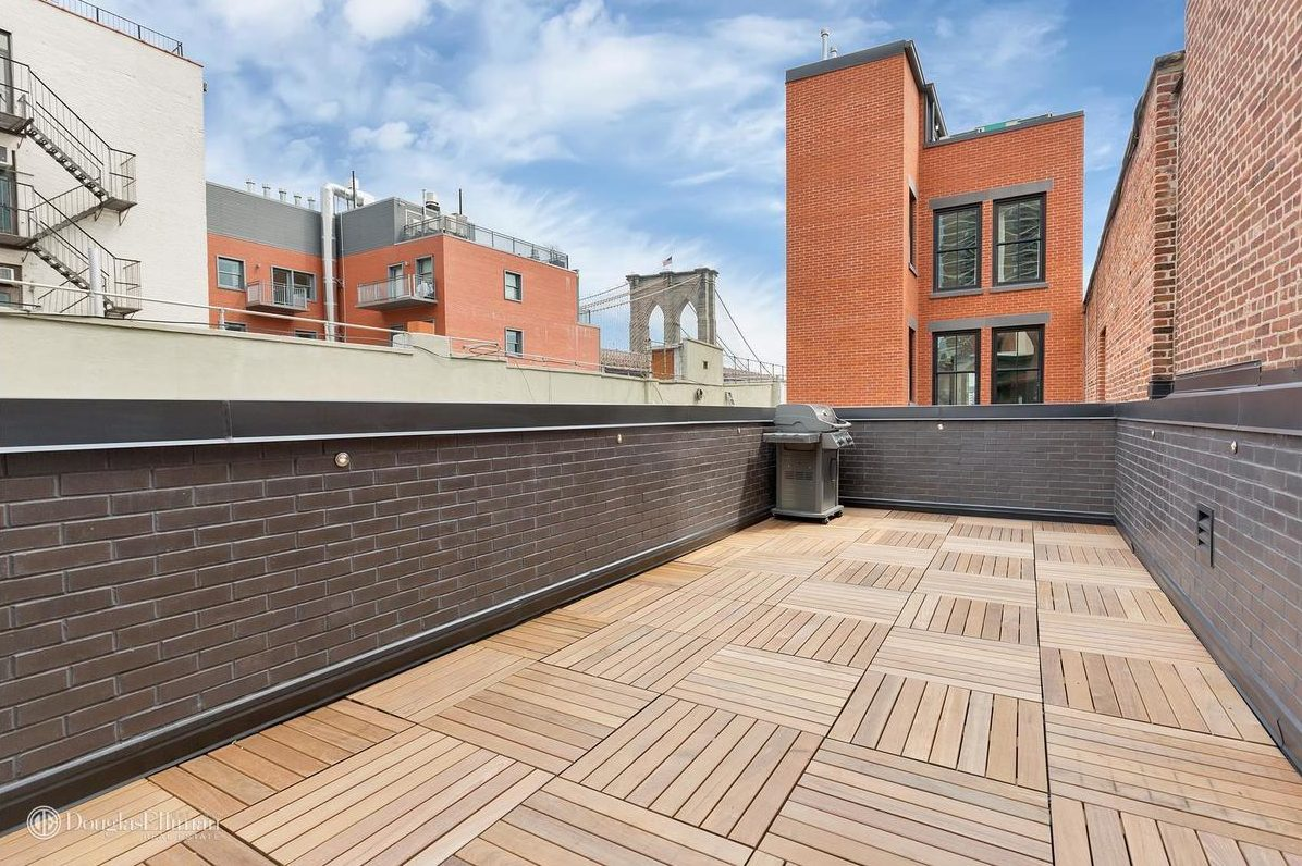 246 Front Street, 267 Water Street, Seaport District townhouse, NYC narrow house, 12-foot-wide house