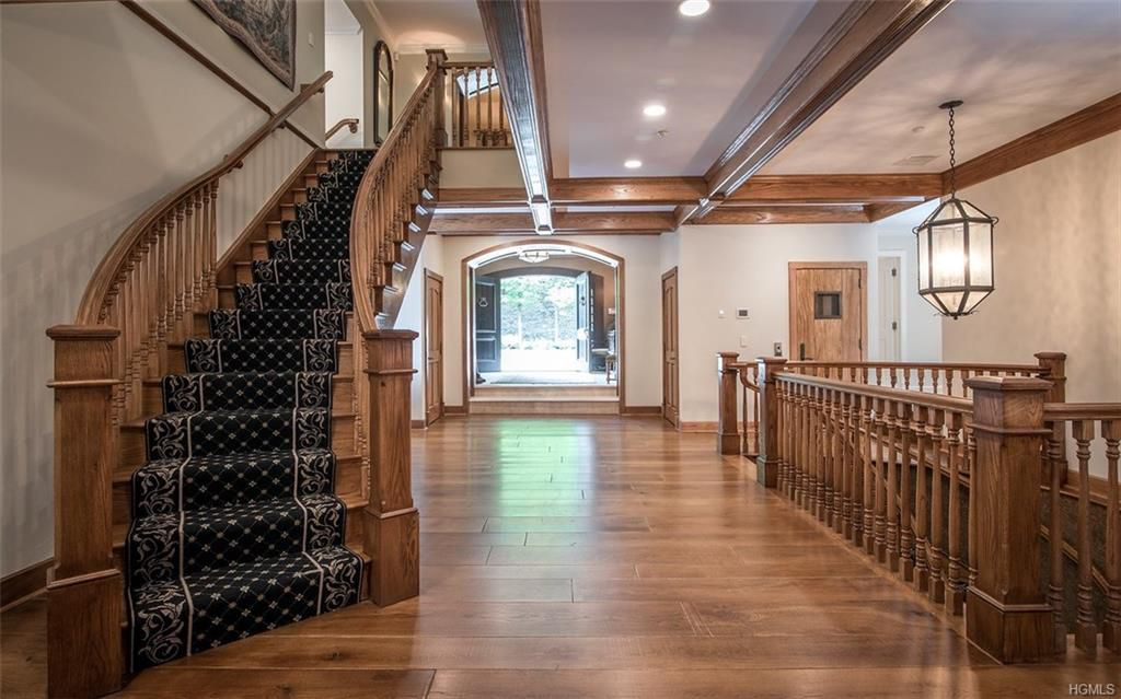 14 Lake Shore Road, Derek Jeter, cool listings, upstate, mansions, celebrities