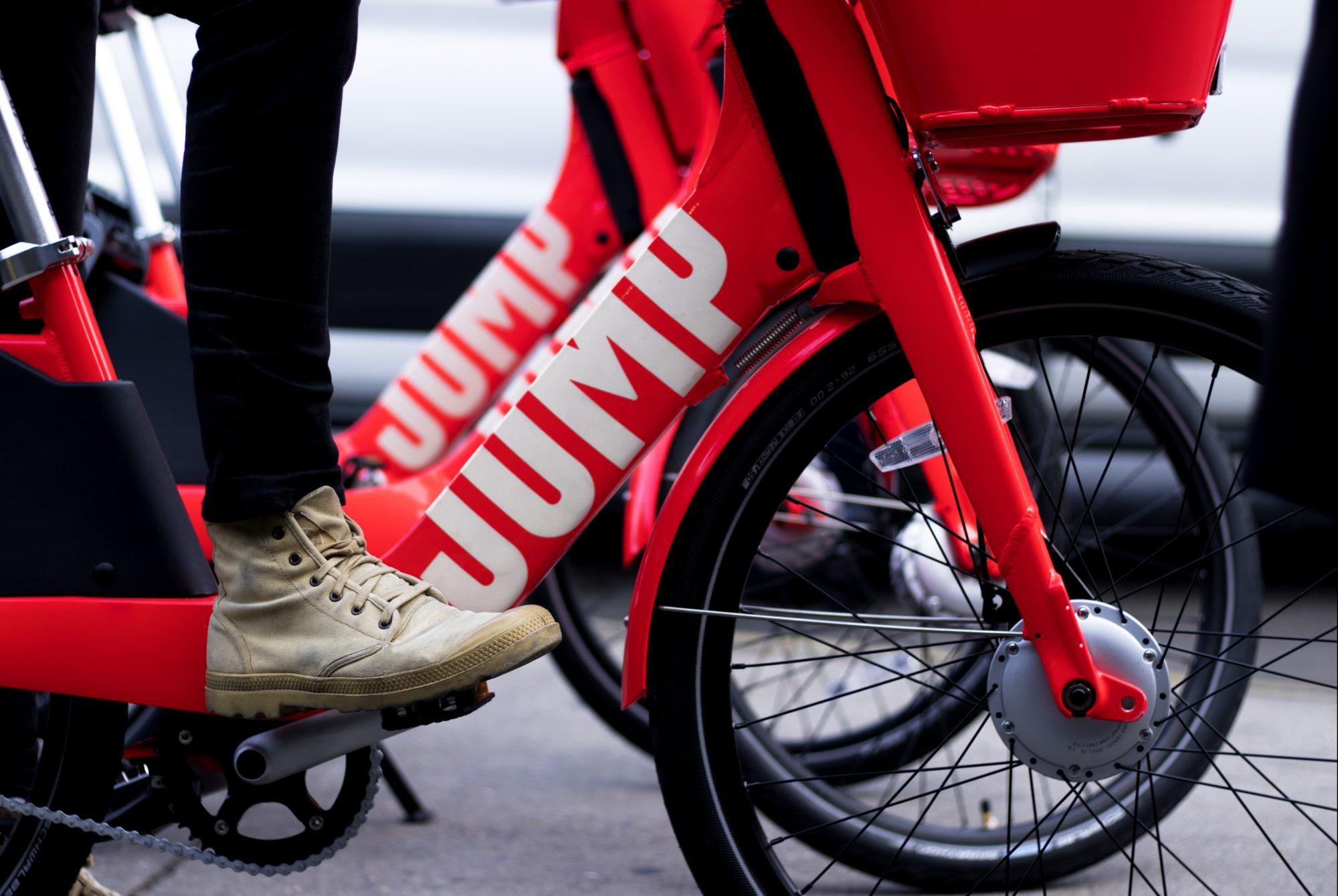 Jump dockless bikes