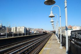 238 Street 1 train station