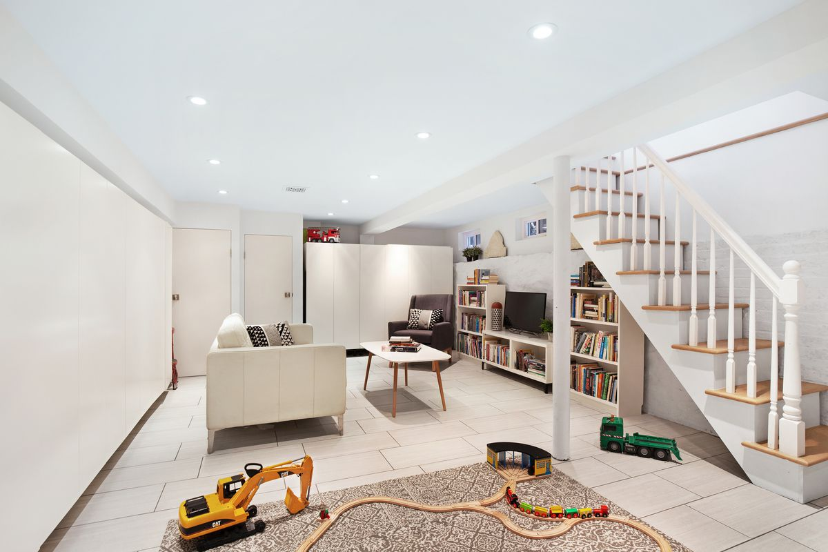 214 East 9th Street, cool listings, Kensington