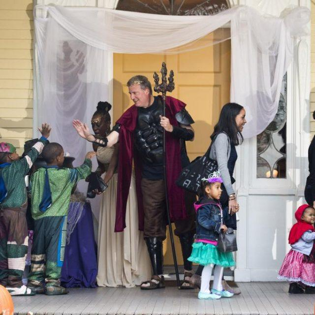 Reserve tickets to celebrate Halloween with de Blasio at Gracie Mansion