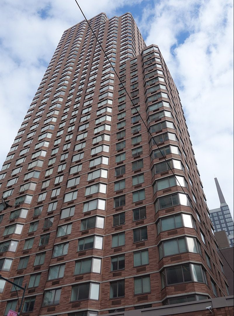Avalon Midtown West, 250 West 50th Street