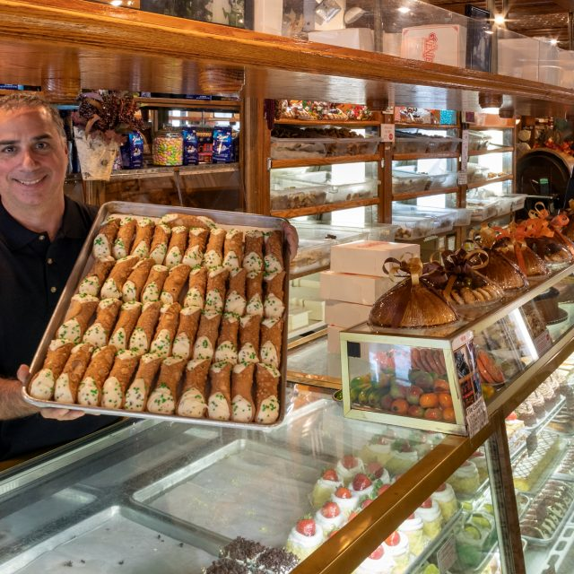 Free cannolis and major pastry discounts for Veniero's 125th anniversary celebration