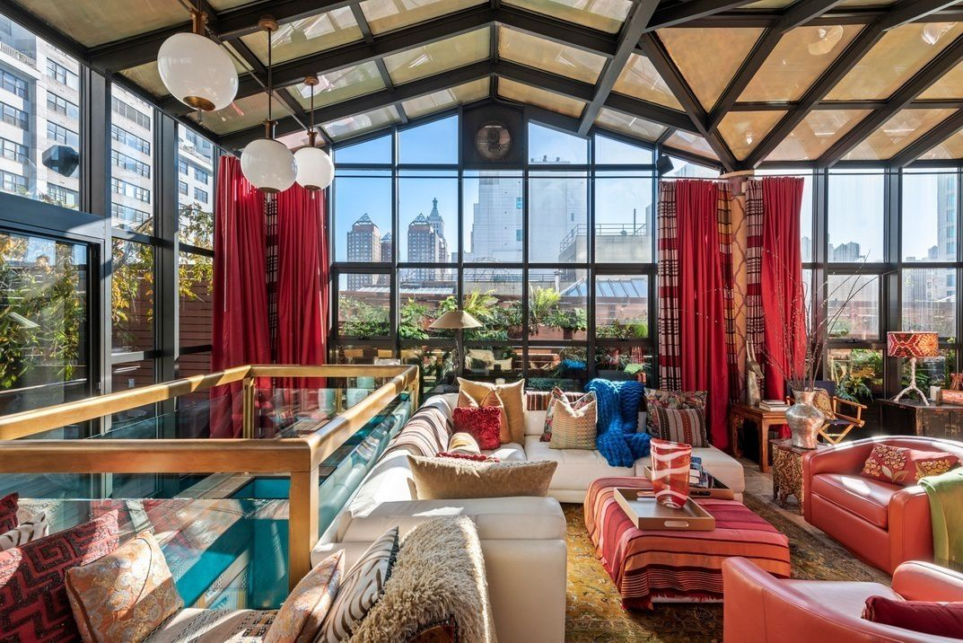 Enjoy A Moroccan Style Den Under A Glass Rooftop At This $7M ...