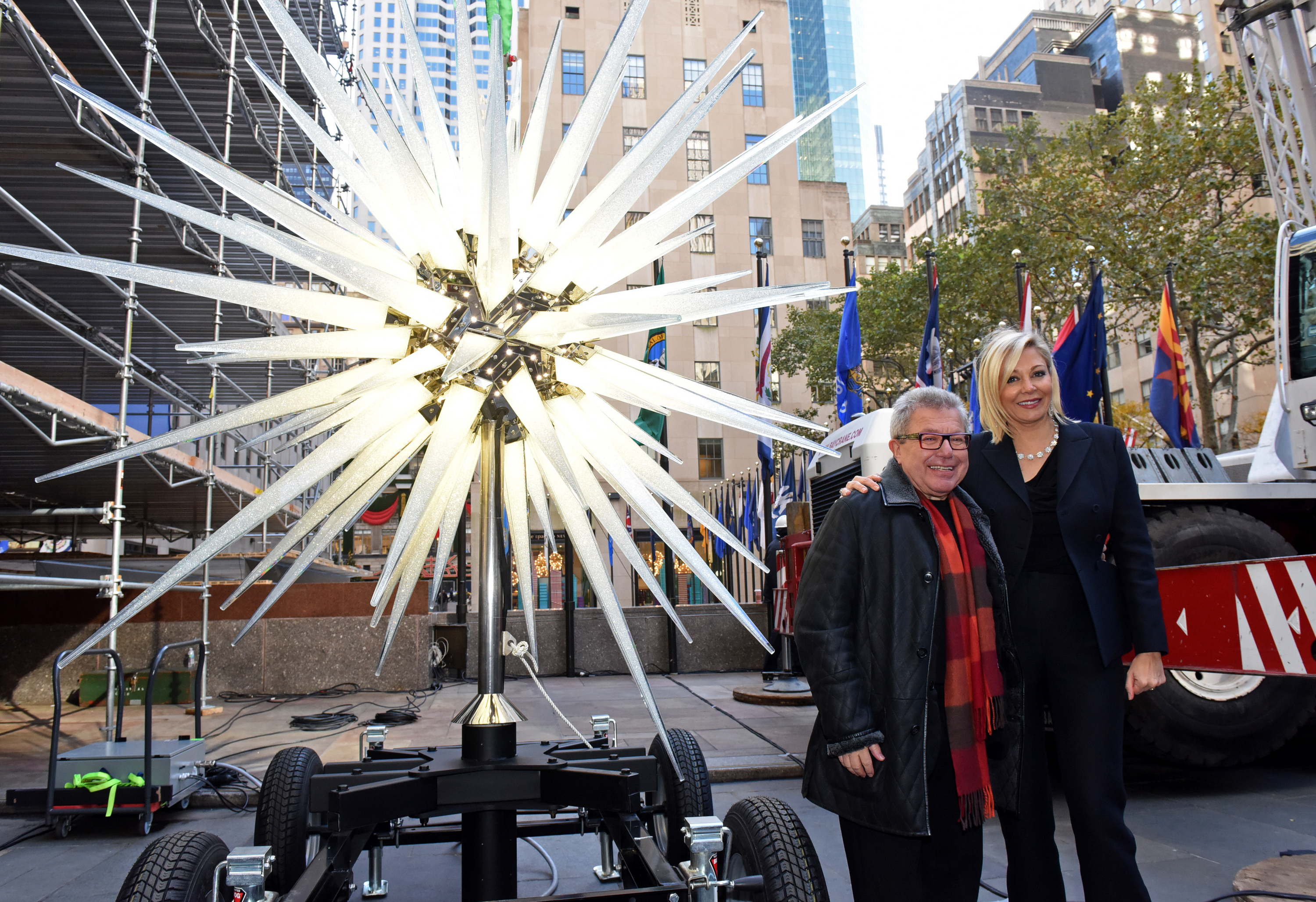 Daniel Libeskind's 900-pound star brings the bling to this year's ...
