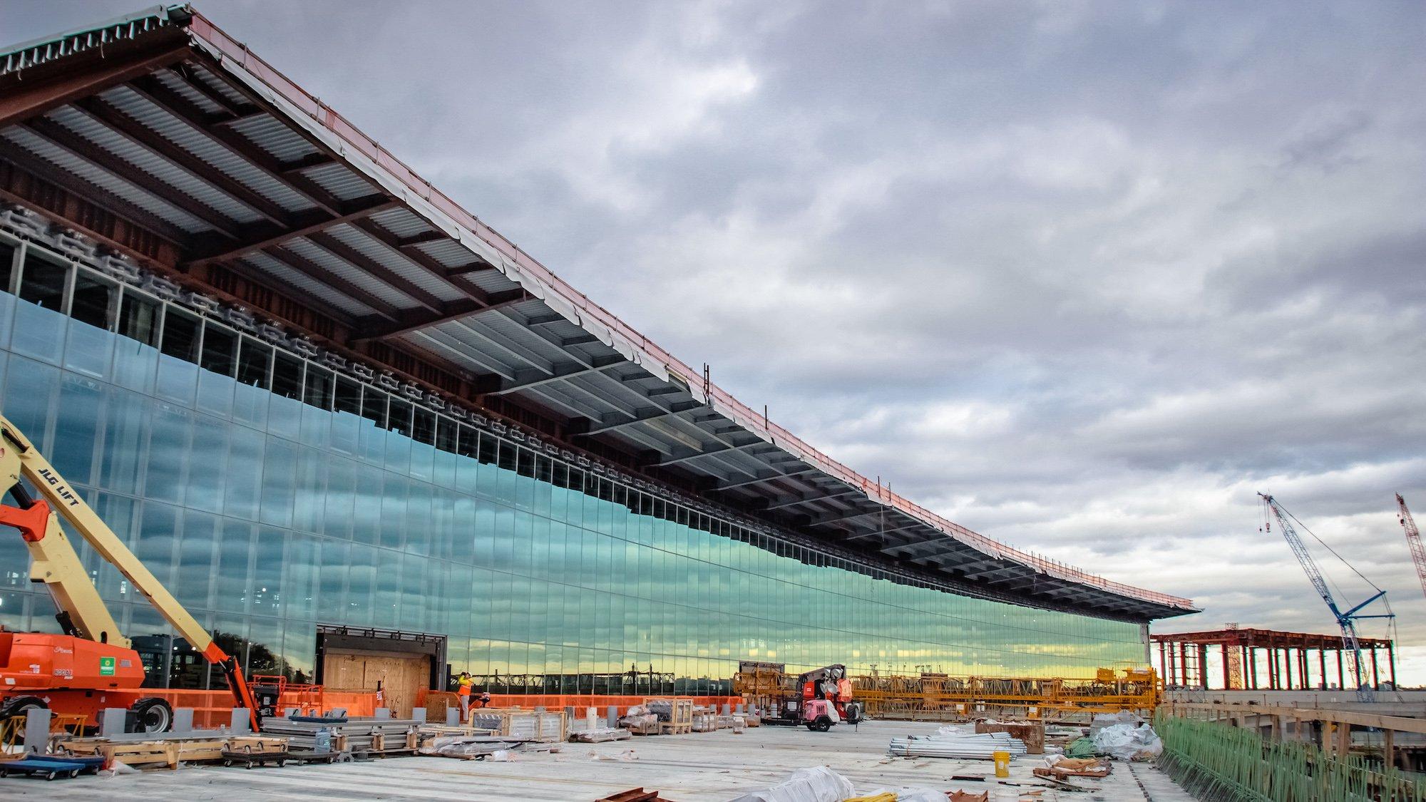Transforming LaGuardia's Terminal B, by the numbers   6sqft