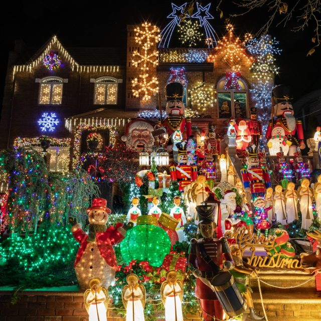 See this year's completely outrageous Dyker Heights Christmas lights