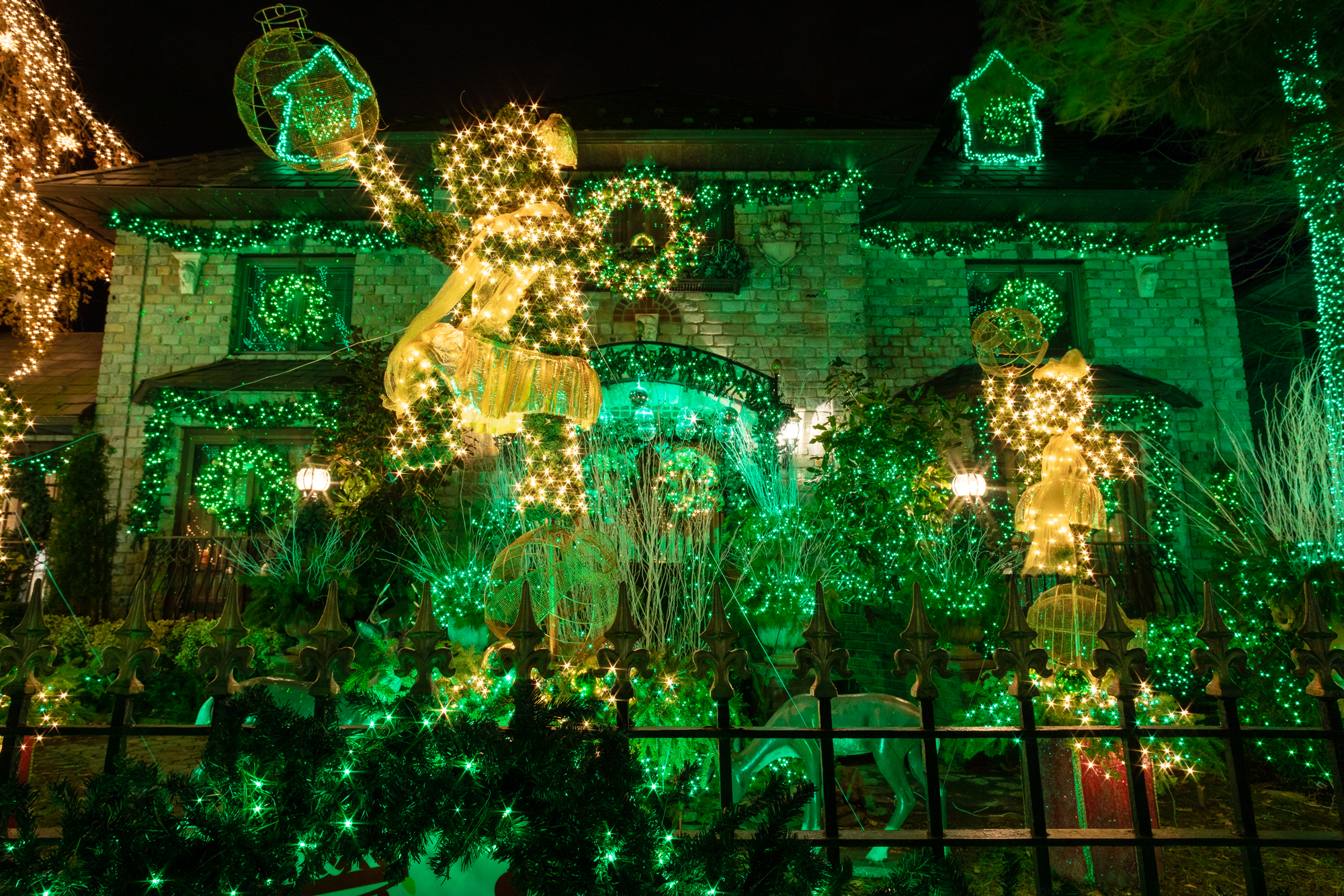 Green Christmas Lights.See This Year S Completely Outrageous Dyker Heights