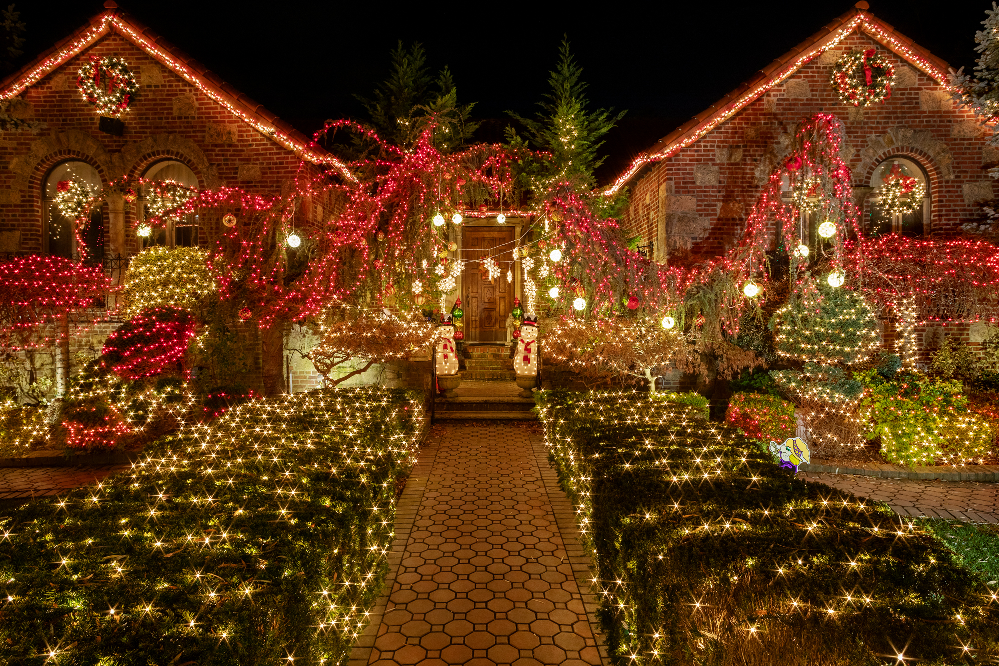 Dyker Heights Brooklyn Christmas Lights.See This Year S Completely Outrageous Dyker Heights