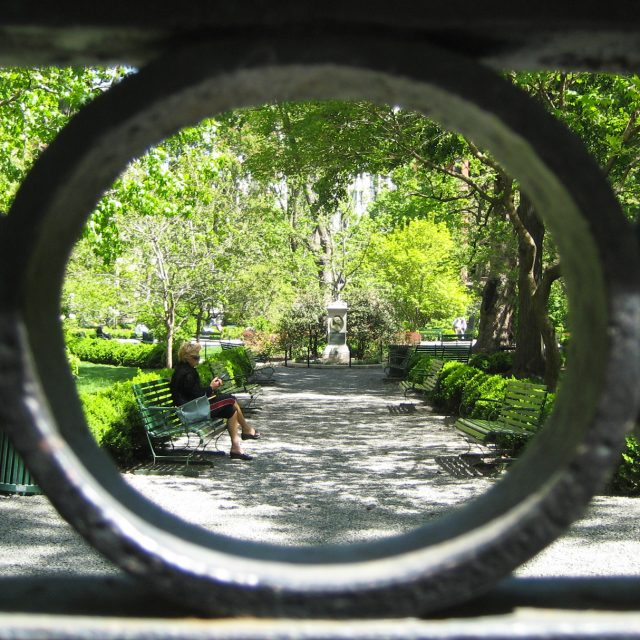 On Christmas Eve, the public can go inside Gramercy Park for one hour