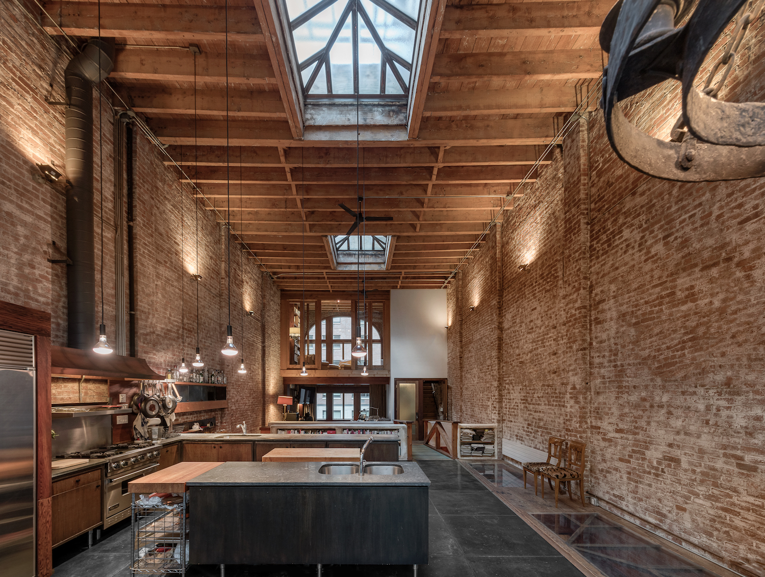 Former Broadway Design Warehouse Is Now A Soaring Chelsea
