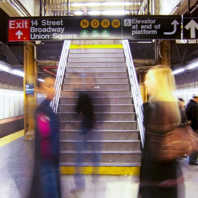 Pols suggest R train be split to save Brooklyn riders from Manhattan delays
