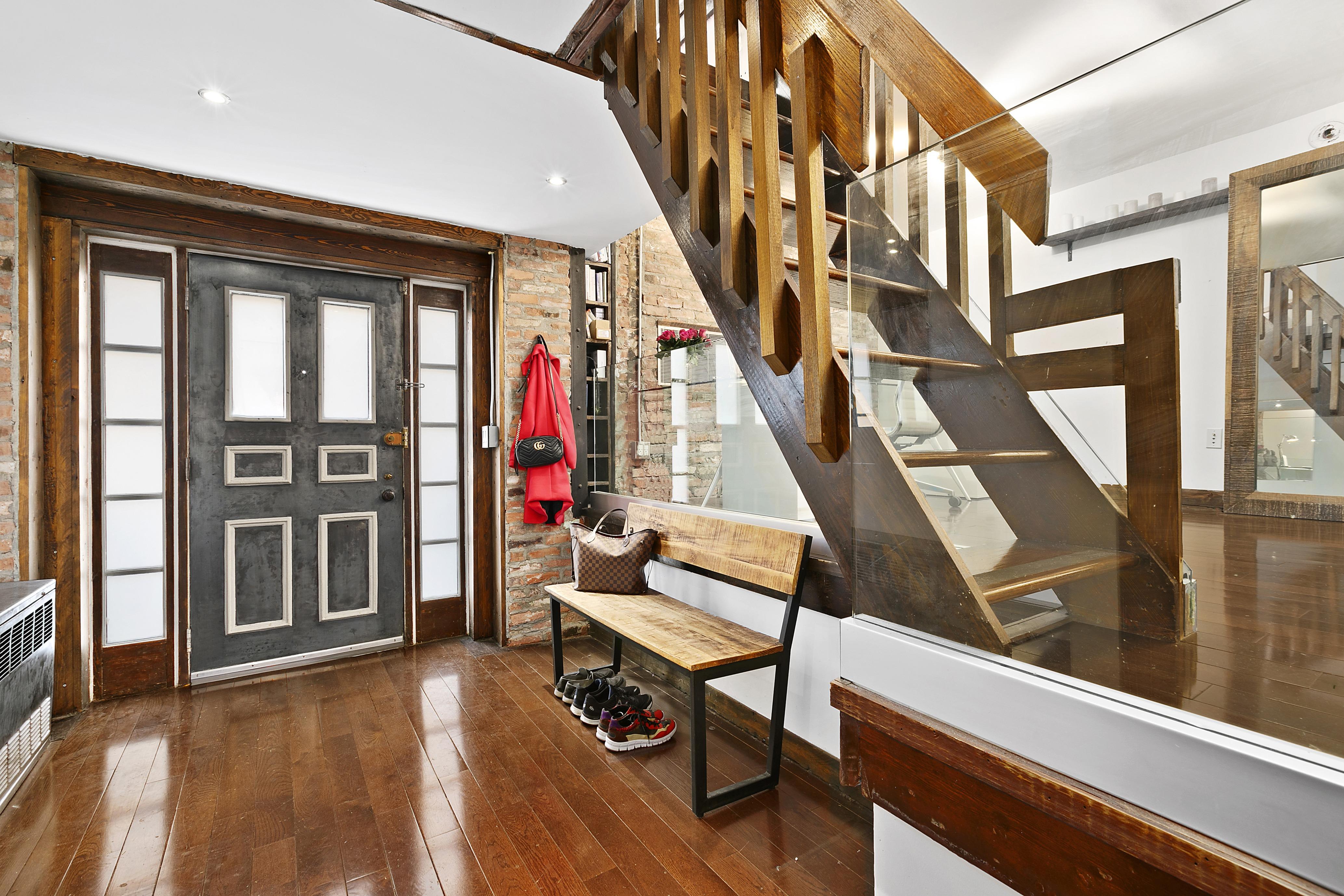 215 east 24th Street, kips bay, gramercy, cool listings, maisonettes, duplexes