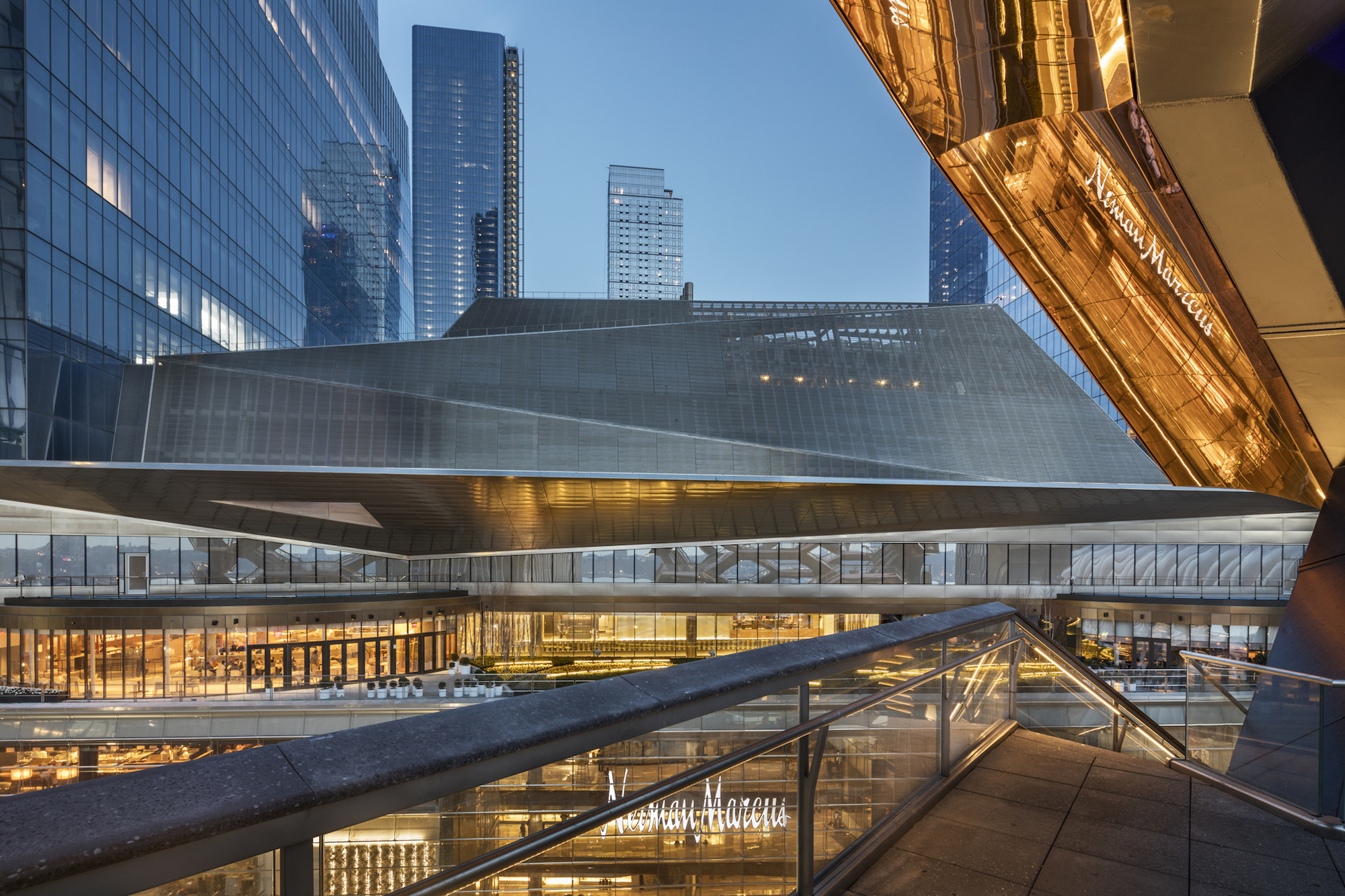 See Inside Hudson Yards Seven Story Dining And Shopping