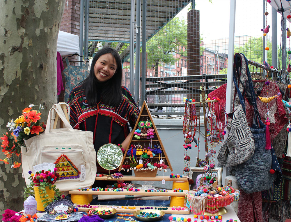 smorgasburg, flea markets, brooklyn flea, food markets, popups,ARTISTS AND FLEAS, BROOKLYN FLEA, CHELSEA FLEA MARKET, CRAFT NEW YORK, EGG ROLLS EGG CREAMS AND EMPANADAS, FAD MARKET, FLEA MARKETS, HESTER STREET FAIR, LIC FLEA & FOOD, NOLITA OUTDOOR MARKET, QUEENS INTERNATIONAL NIGHT MARKET, RENEGADE CRAFT FAIR, SMORGASBURG, STOOP SALE