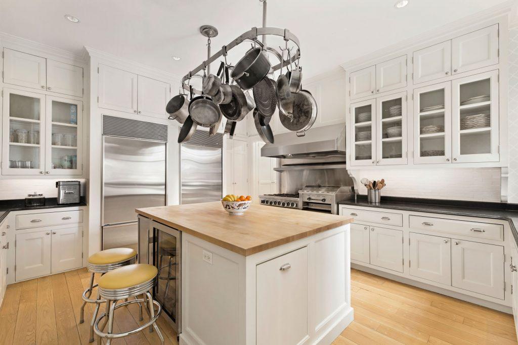 555 Park Avenue, Lenox Hill, Barbara Walters
