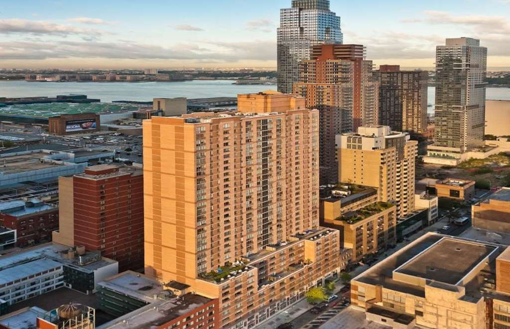 18 Middle Income Apartments With Hudson River Views