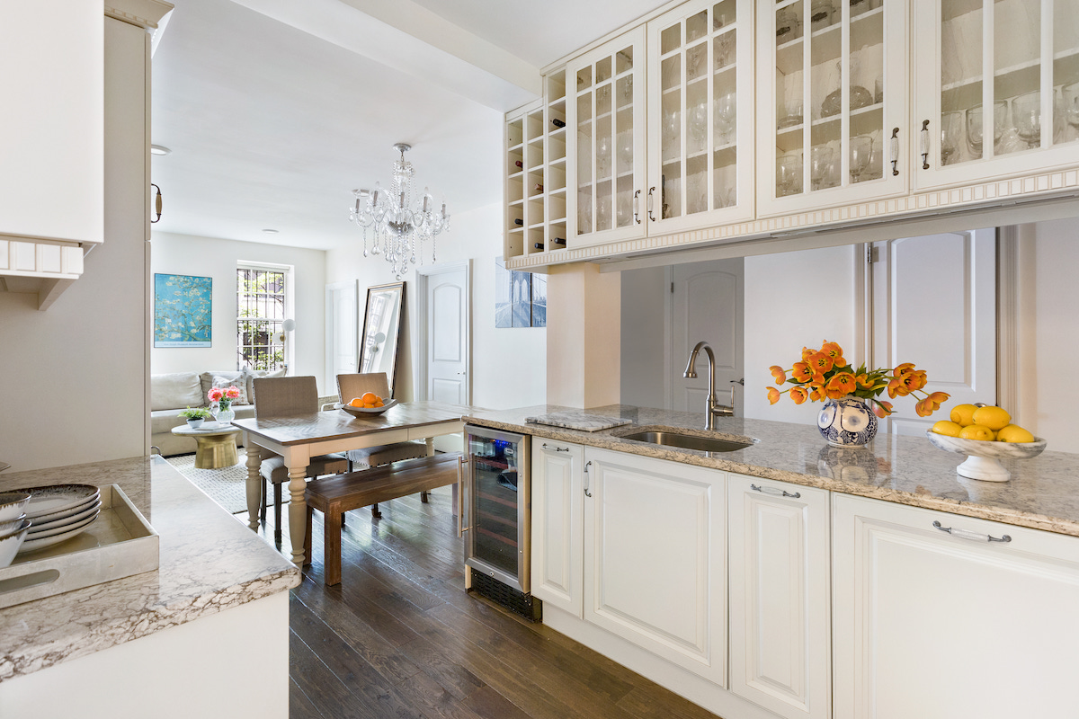65 Montague Street, cool listings, brooklyn heights, co-ops