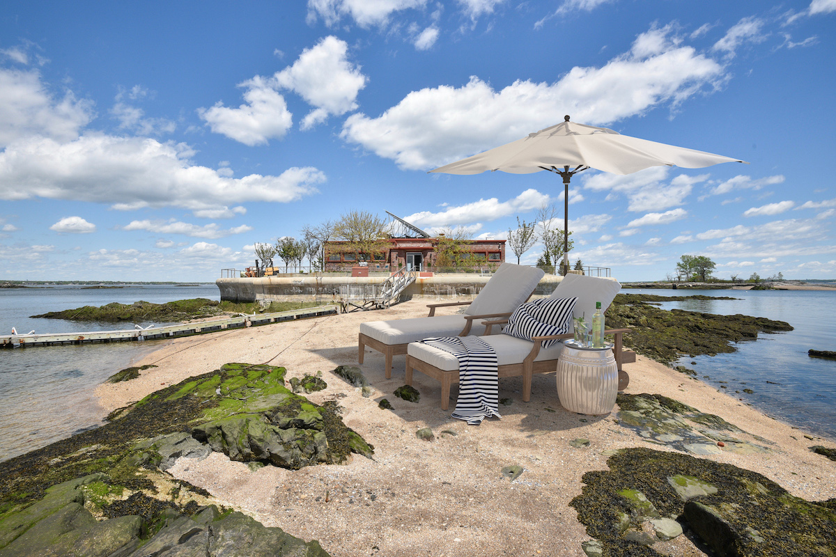 columbia island, new rochelle, cool listings, private islands, self sustaining, off grid