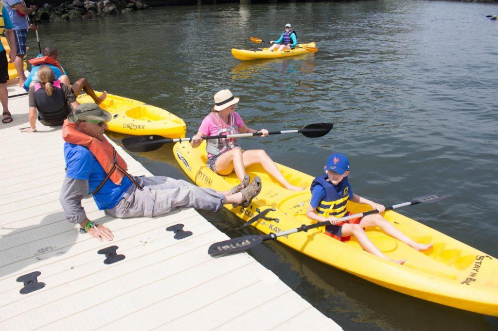 kayak, hudson, governors island