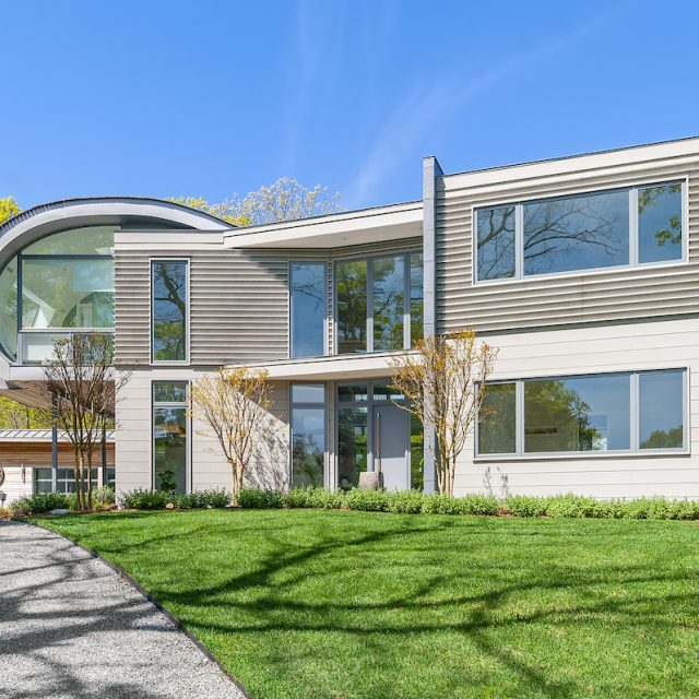 $3M East Hampton retreat mixes Hollywood glam with contemporary geometry